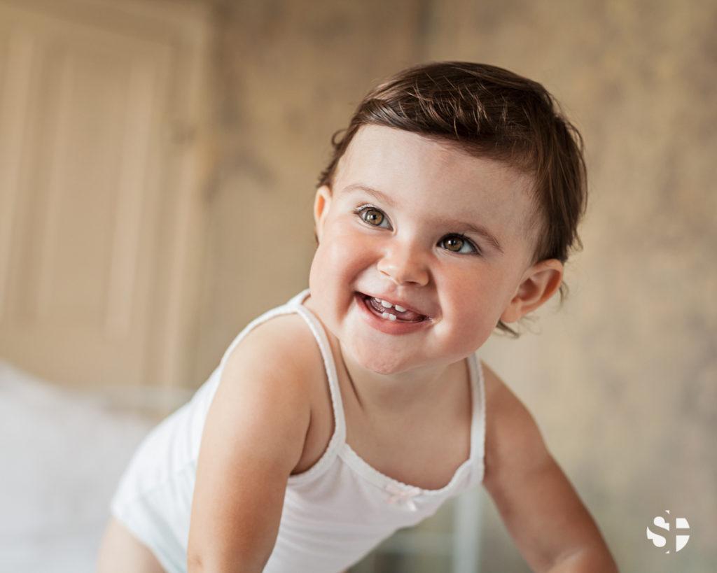 Baby lachend