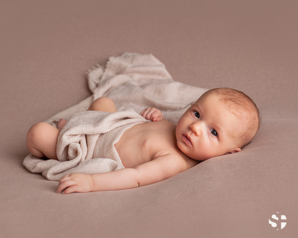 Babyfoto von Mädchen drei Monate alt