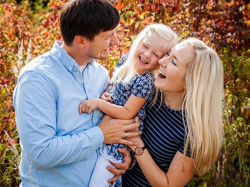 Familie Foto Natur Sonne Lachen