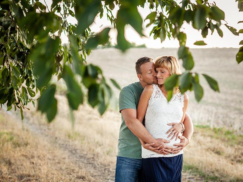 Schwangerschafts Fotoshooting untergehende Sonne Lommatzsch